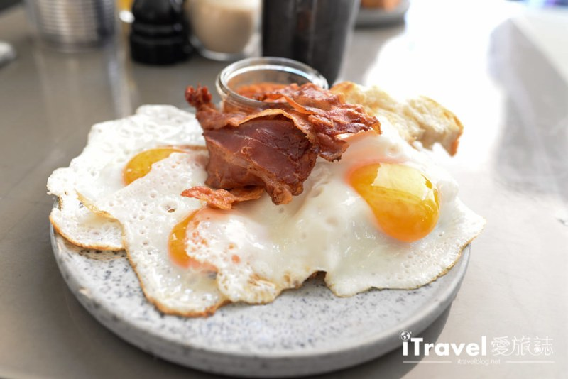 《慕尼黑早午餐》Occam Deli:經典黑咖啡搭配美味糖霜起司