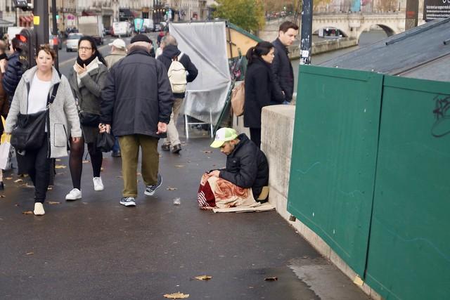 Париж, еще бомж