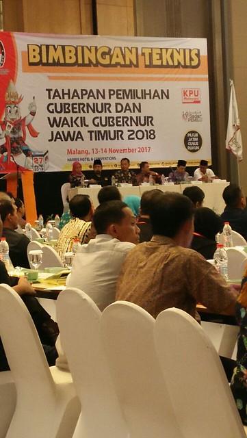 Suasana Bimtek Tahapan Pilgub dan Wagub Jatim 2018 oleh KPU Jatim di Harris Hotel and Convention, Malang (13/11)