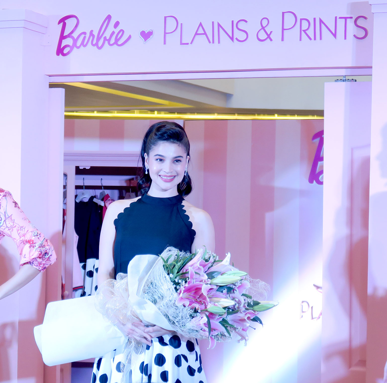 18 Plains and Prints x Barbie Collection - Gen-zel She Sings Beauty