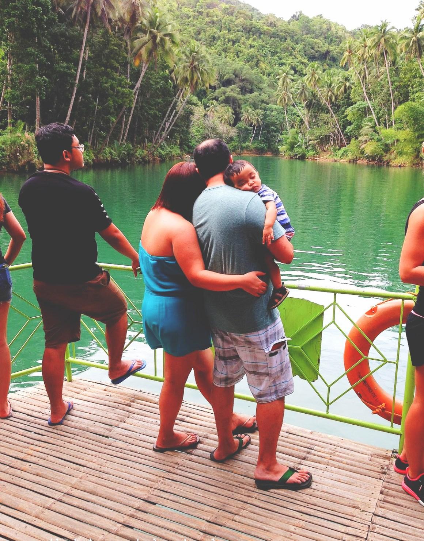 loboc-river-boat-family