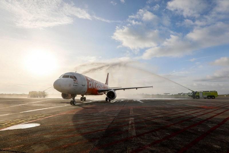 AiraAsia Sambut Dua Penerbangan Sulung Antarabangsa Ke Sarawak