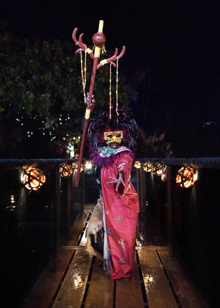 Makalani at The Bridge Of Luminosa