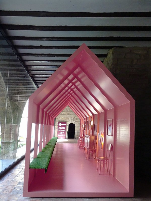 Sala contenporanea Exposicion Occidens Catedral de Santa Maria La Real Pamplona