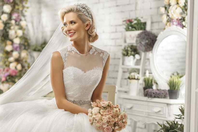 Medium Hair:Dressy Wedding Updos -for the large day