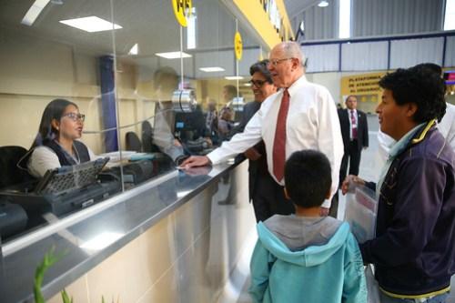 Presidente Kuzcynski inaugura la nueva área de Admisión del Instituto Nacional de Salud del Niño Breña.