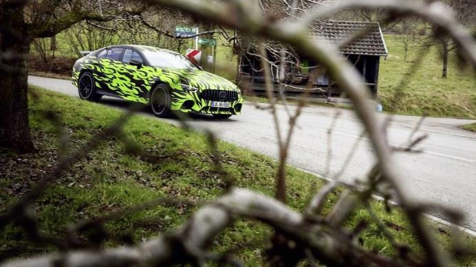 Der viertürige Mercedes-AMG GT auf Erprobungsfahrt // On-road t