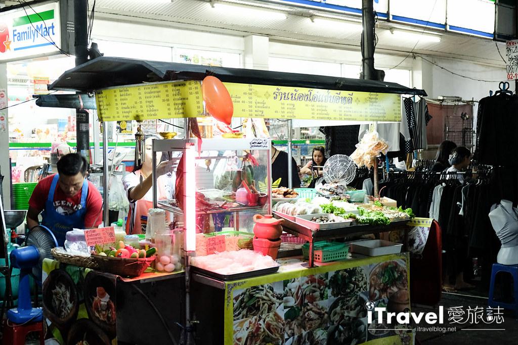曼谷夜市推荐 查龙四夜市Chok Chai 4 Night Market (21)