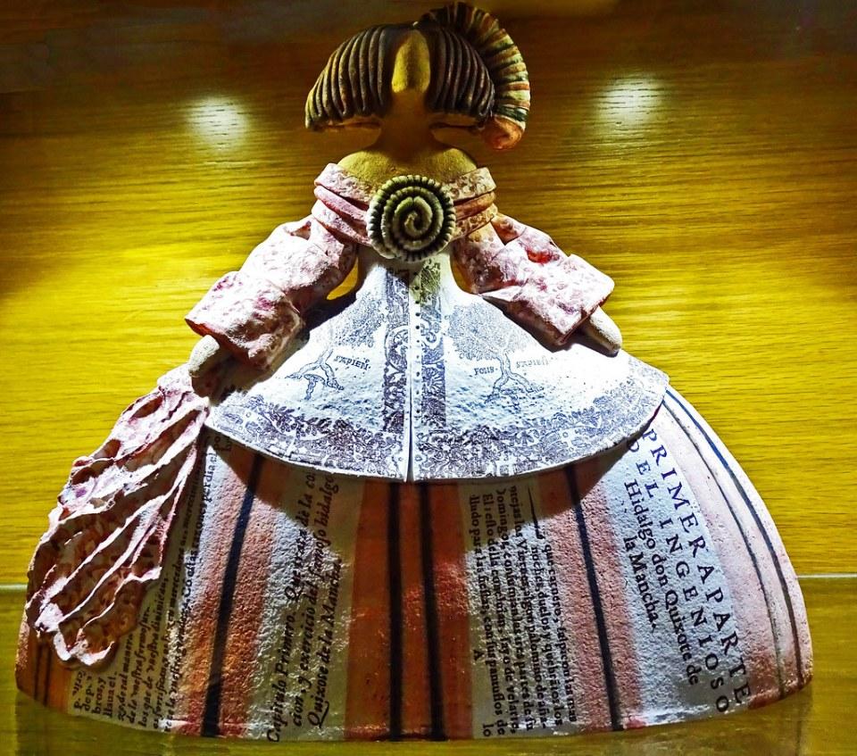 Exposicion pequeñas esculturas meninas Burgos 03