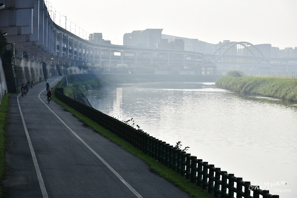 基隆河畔自行車道03.JPG