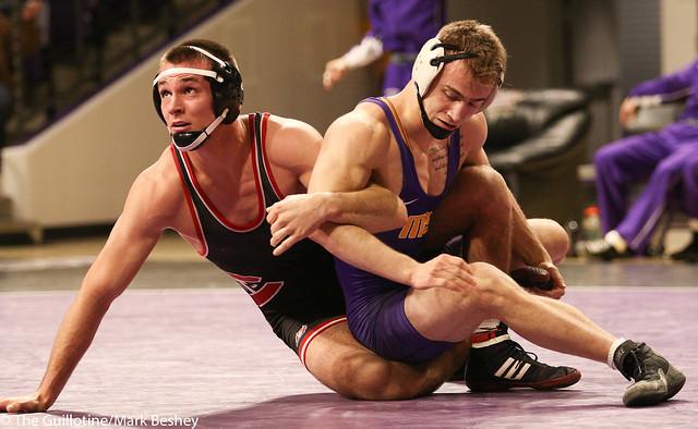 165: #6 Travis Holt (SCS) Dec. over Dylan Herman (MSU) OT 6-4 | SCS 9-4 MSU - 180203amk0095