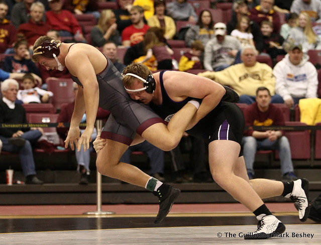 Hwt: Conan Jennings (Northwestern) maj. dec. Rylee Streifel (Minnesota) 11-0. 180128AMK0134