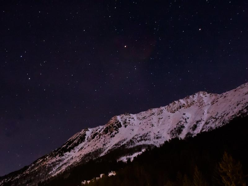 montagnes de nuit ciel etoile valmorel