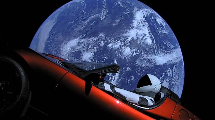 tesla-roadster-in-space (1)