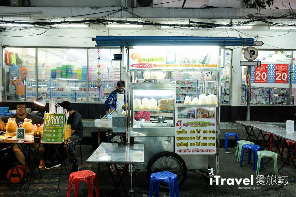 曼谷夜市推荐 查龙四夜市Chok Chai 4 Night Market (27)