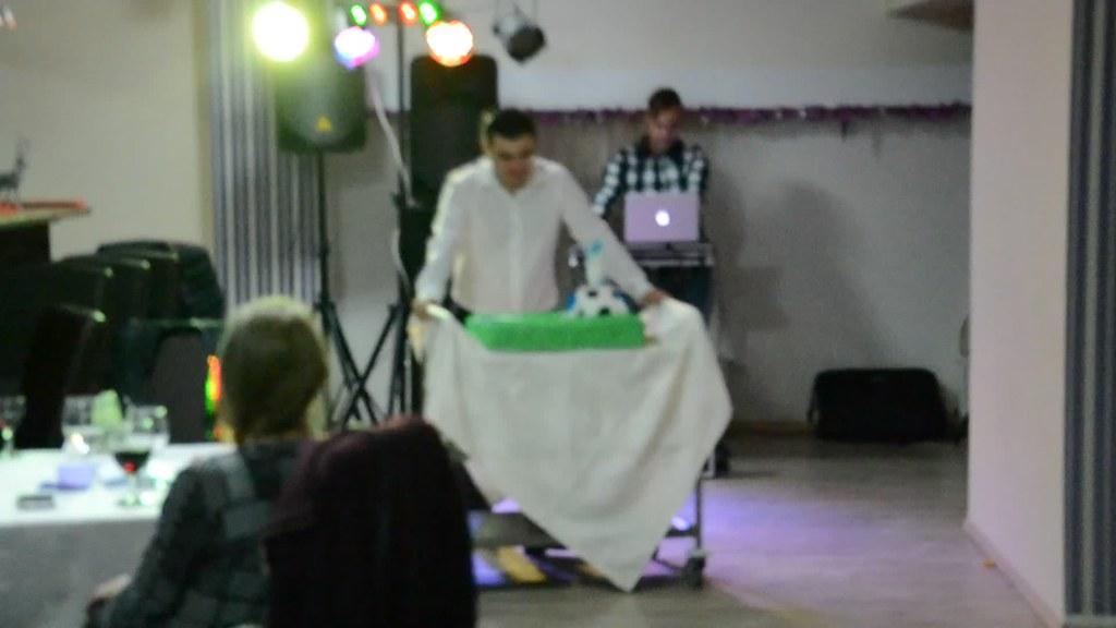 petrecere.tort.lipova