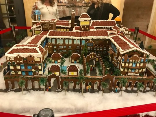 mission inn gingerbread house