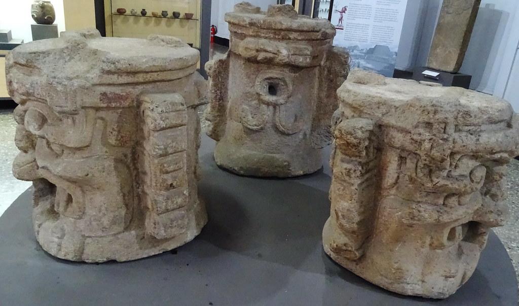 arte maya Escultura en piedra con espiga cabeza antropomorfo Preclasico 01 Museo Nacional de Arqueologia y Etnologia Ciudad de Guatemala