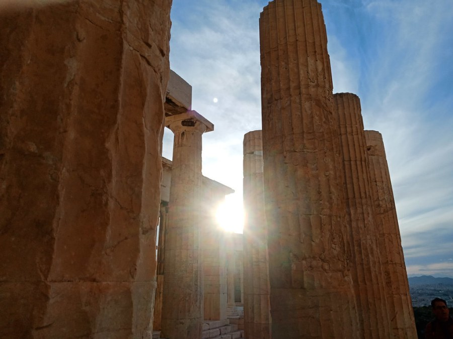 Sample raw Photos of OPPO F5 from Athens Greece (17 of 34)