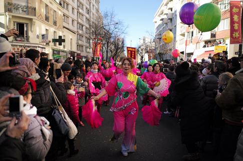 18b25 Chinatown sur Seine_0044 variante Uti 485