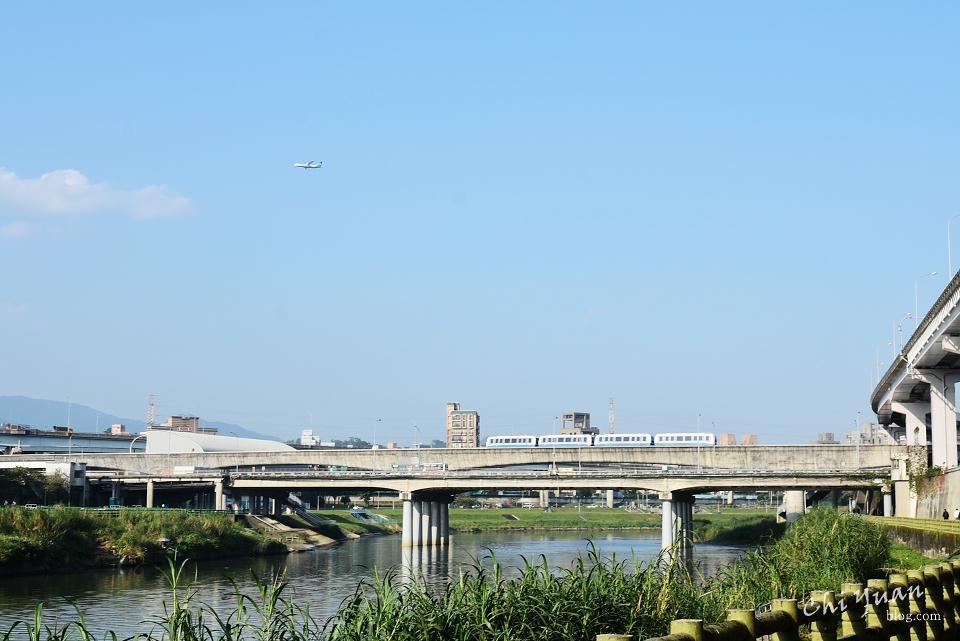 基隆河畔自行車道12.JPG