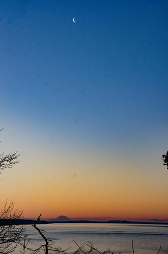 Moon over Ranier