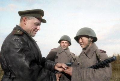 "Awarding the Order of the Red Star | Вручение ордена ""Красная звезда"" разведчику, 1944"