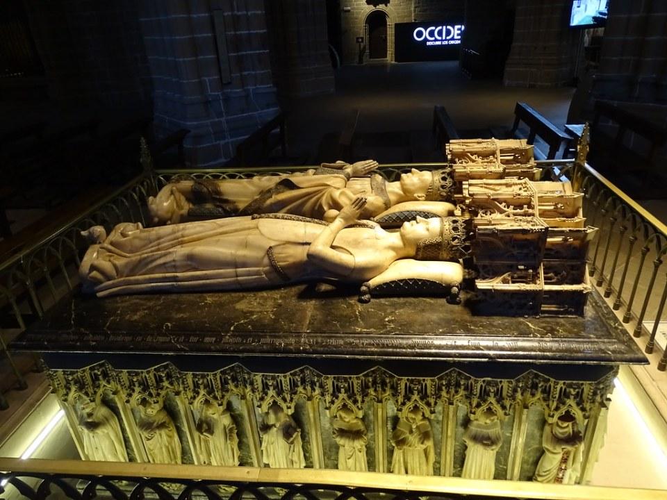 sepulcro de Carlos III el Noble y Leonor de Trastamara mausoleo Real Catedral de Santa Maria La Real Pamplona 05