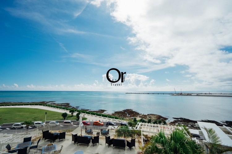 日本沖繩景點 瀨長島 Umikaji Terrace,鄰近那霸機場面海猶如希臘一般的白色建築物群,坐在瀨長島欣賞大海跟日落