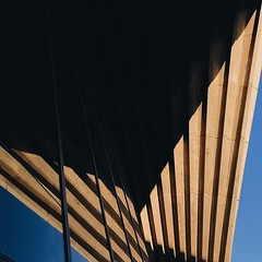 #sunset #light #architecture #operahouse @sydneyoperahouse @sydney @visitnsw @australia #ilovesydney #sydney #summer #newsouthwales #wanderlust #travel #australia #seeaustralia #sydneyfolk #australiagram #sydneytravel #travel #guardiantravelsnaps #guardia