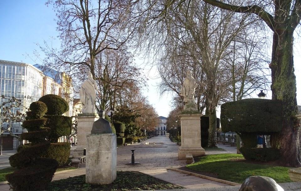 Burgos Estatuas de los 4 Reyes paseo del espolon 08