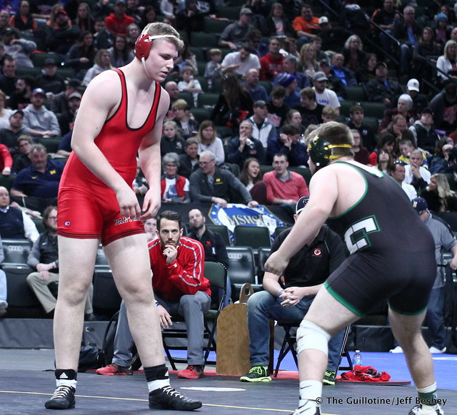 3rd Place Match - Dillon McEachran (Faribault) 38-6 won by decision over Bryce Benhart (Lakeville North) 42-7 (Dec 3-2). 180303BJF0394
