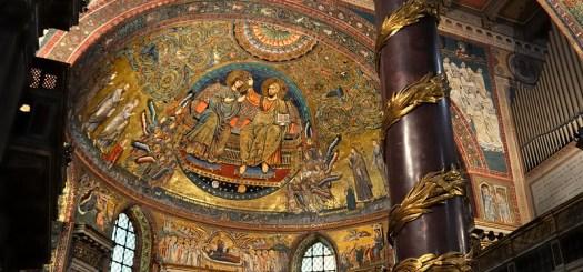 'Coronation of the Virgin' apse mosaic, Jacopo Torriti, 1295 - Santa Maria Maggiore, Rome.