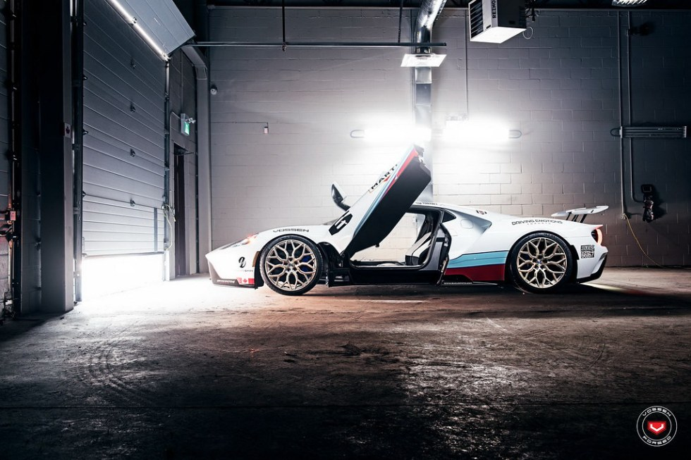 ford-gt-martini-livery-vossen-wheels-4