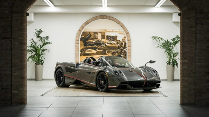 pagani5-huayra-roadster-with-pagani-fabric-roof