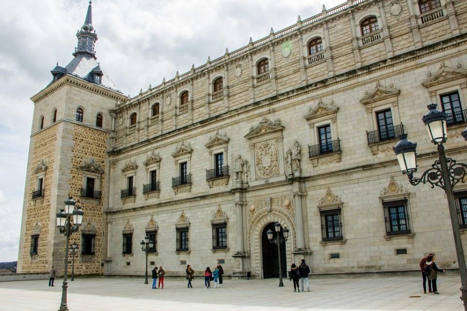Fachada norte de Covarrubias exterior Alcazar de Toledo 01