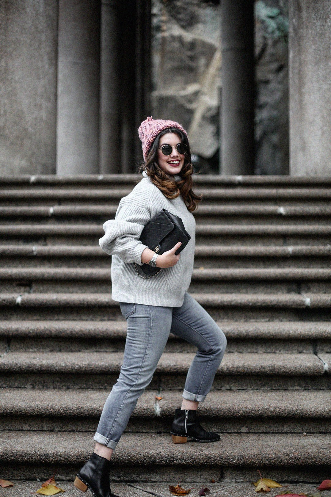 puffer-coat-grey-sweater-look-streetstyle9