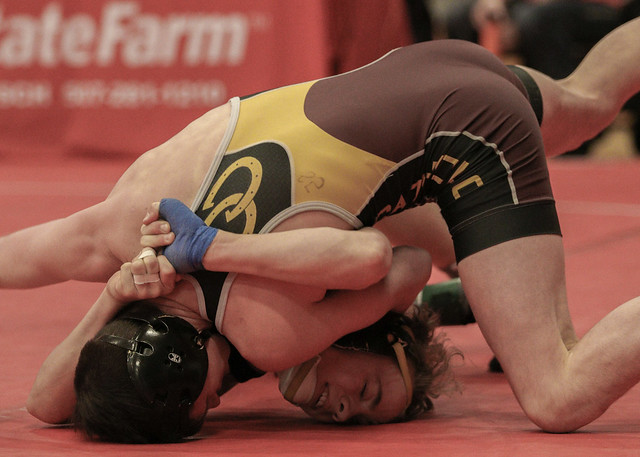 106 - Nain Vasquez (Montini Catholic) over Christian Seals (Apple Valley) Fall 0:54 - 171230amk0041
