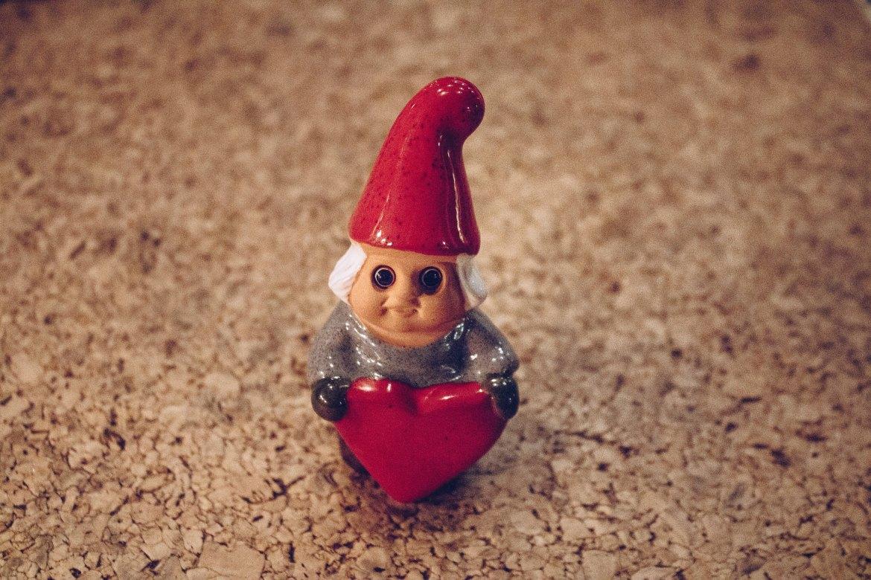 Jultomte med hjärta av Rolf Berg - reaktionista.se