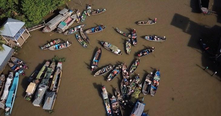 Vietnam Mekong delta floating market