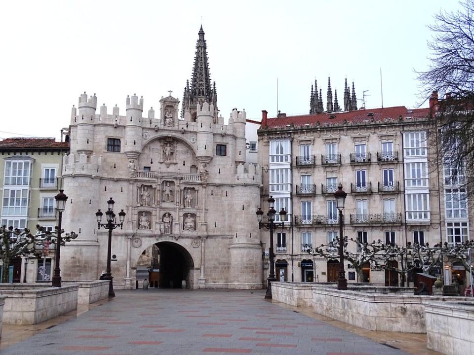 Burgos Arco de Santa Maria 01