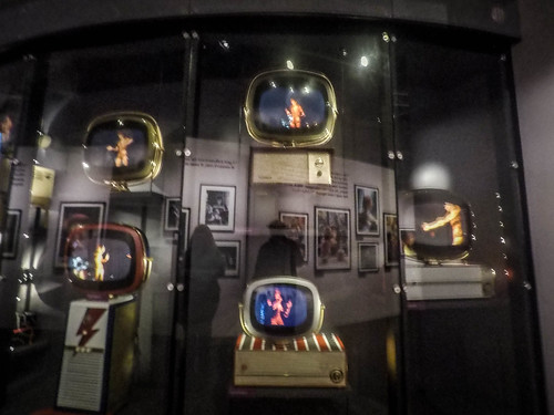 David Bowie Exhibit-003