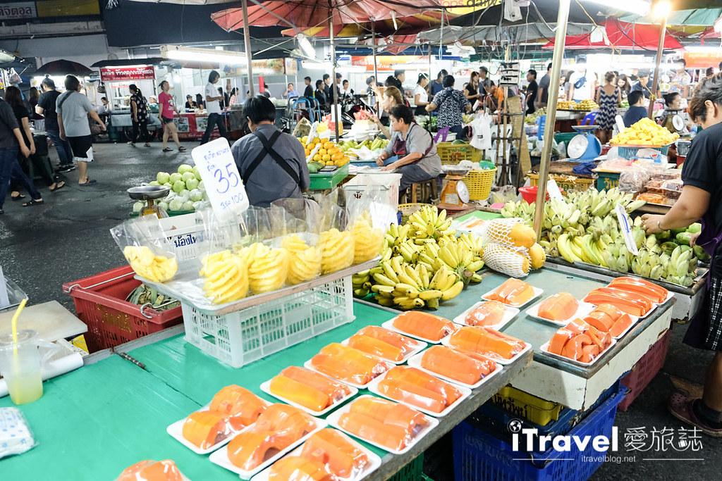 曼谷夜市推荐 查龙四夜市Chok Chai 4 Night Market (6)