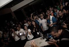 people-enjoying-the-earth-hour--brunei---wafi_4479035858_o