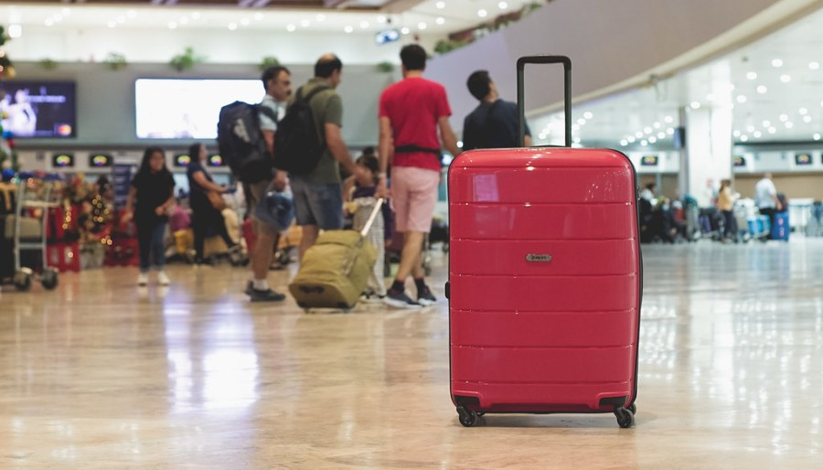 Heys Luggage EOS lightweight Spinner (6 of 39)