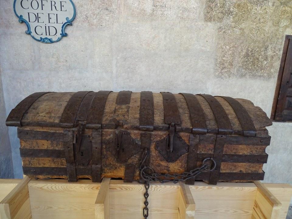 Cofre de El Cid en la Catedral de Burgos