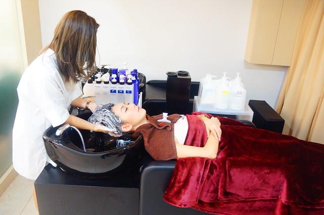 Jacelyn X Aoyama Hair Massage