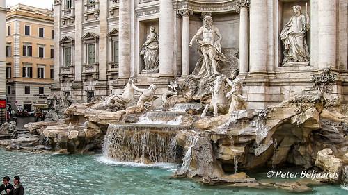 Trevi Fountain, Rome, Italy.
