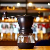簡約再進化!HARIO 陶瓷手搖磨豆機(MSCS-2DTB / Skerton+)手沖咖啡的好幫手。