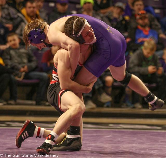 125: #5 Brett Velazquez (SCS) Major Dec. over Andrew McFall (MSU) 11-3   SCS 16-13 MSU - 180203amk0231